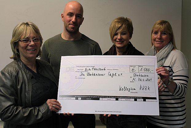 Bild zu: HBBK spendet 1.000 Euro an Oberhausener Tafel