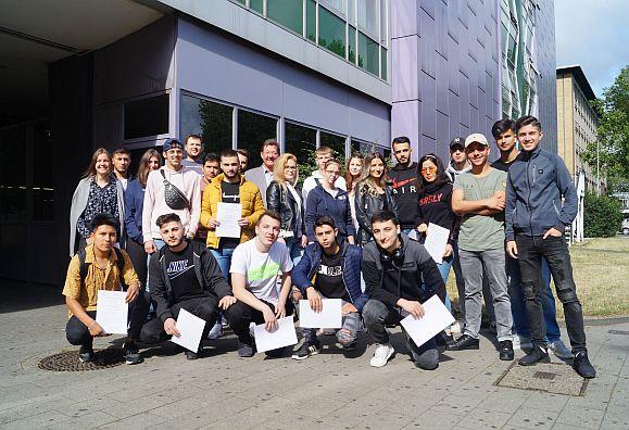 Bild zu: Handelsschüler absolvieren Anti-Gewalt-Training