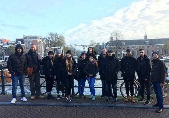 Bild zu: Amsterdam-Exkursion als Jahreshighlight für Europaklasse am HBBK Oberhausen