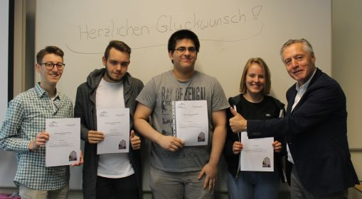 Bild zu: Wir gratulieren zum besten Fachabitur 2018 am HBBK Oberhausen